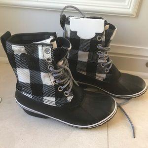 New SOREL Slimpack 1964 Boot Black White Plaid 9